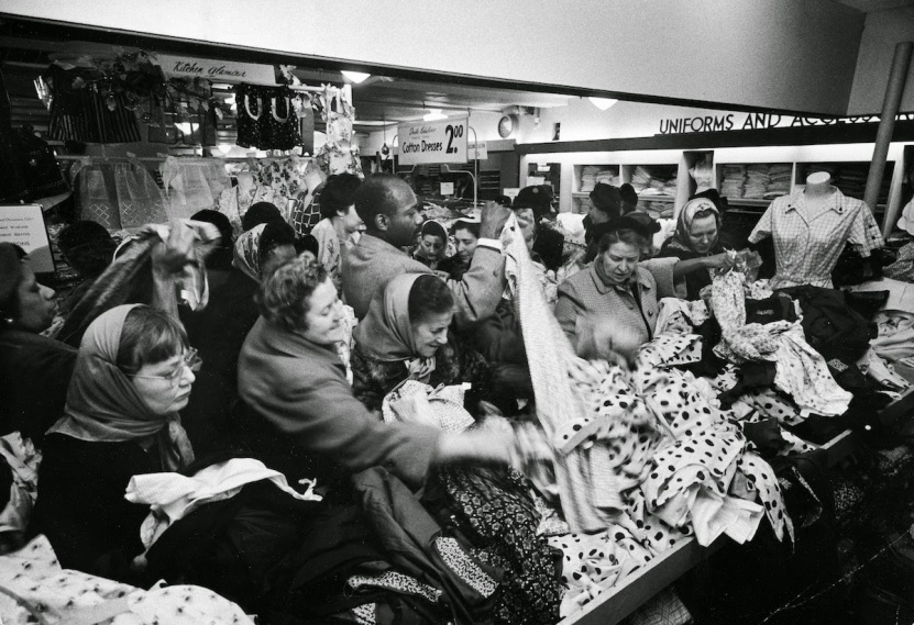 Bargain Hunters Shopping during the Holidays since the Early 20th Century (15)