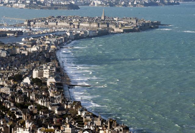 le-mont-saint-michel-et-saint-malo-vus-du-ciel_11