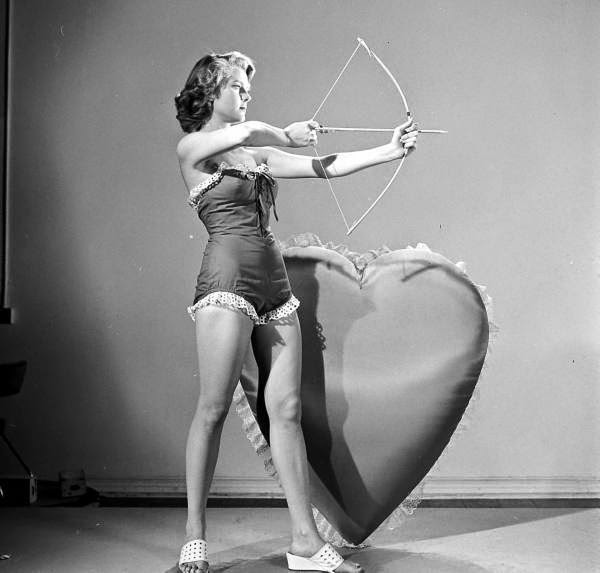 Peggie Castle in a LOOK Magazine Valentine's Day Spread, ca. 1950s (5)