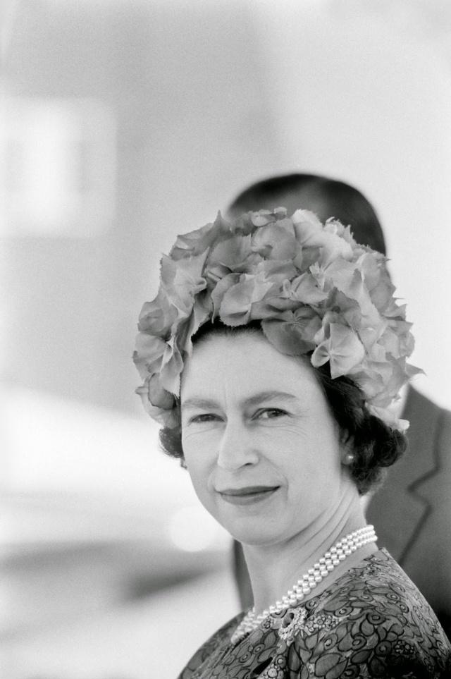 Queen Elizabeth II (10)