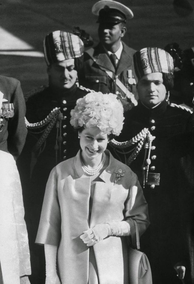 Queen Elizabeth II (6)
