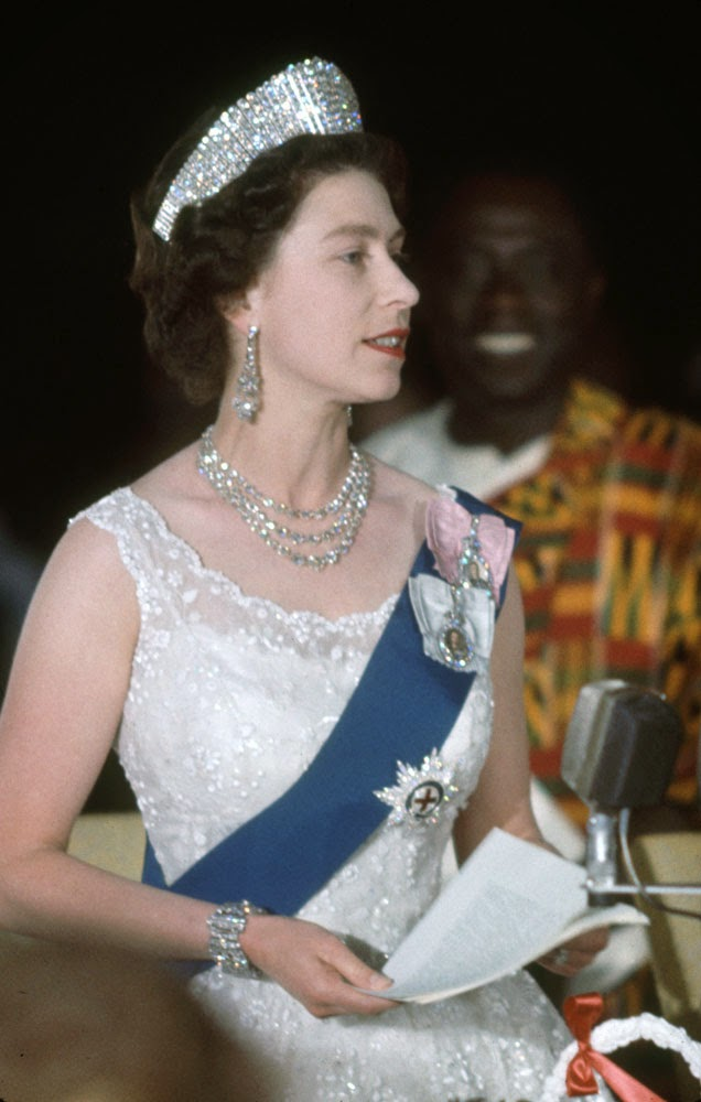 Queen Elizabeth II (7)