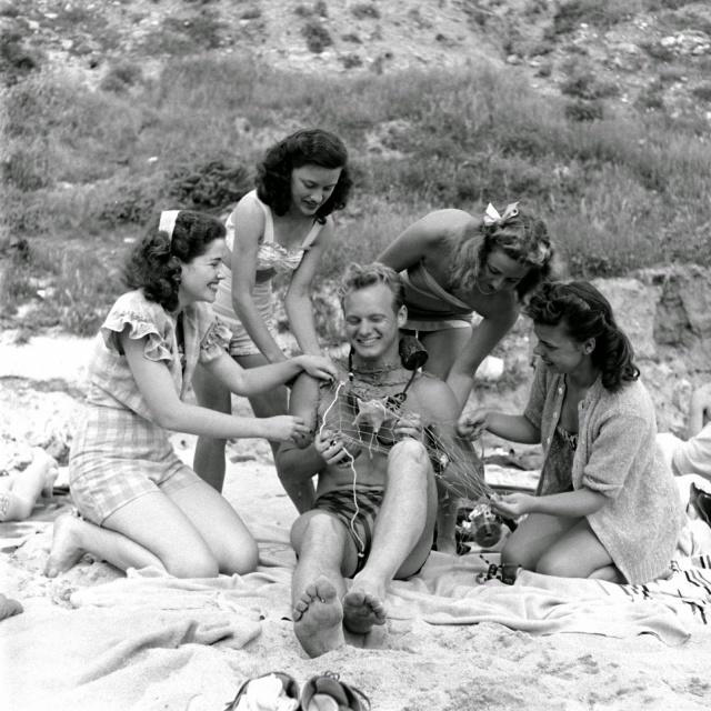 Spring Break in Southern California, 1947 (14)