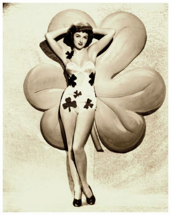 Vintage St. Patrick's Day Pin Up (11)