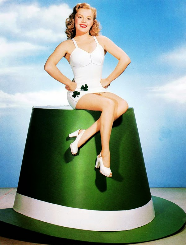 Vintage St. Patrick's Day Pin Up (9)