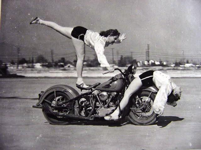 Early Women Motorcycle Stunters (5)