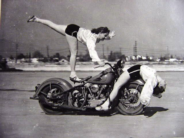 Early Women Motorcycle Stunters (5)