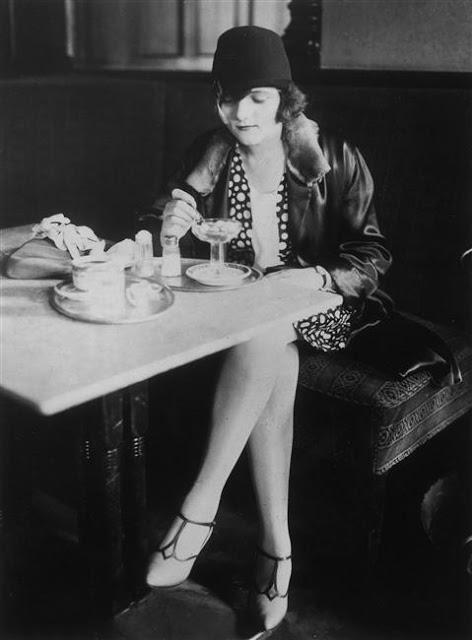 1920's Womens Fashions (12)