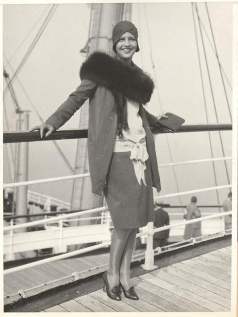1920's Womens Fashions (18)