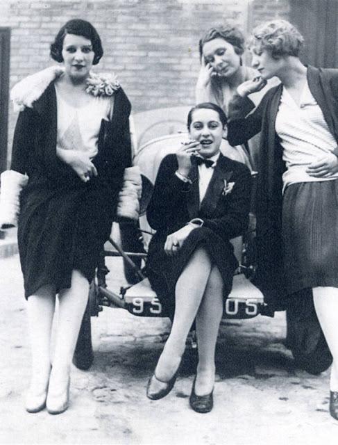 1920's Womens Fashions (25)