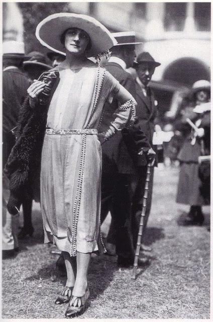 1920's Womens Fashions (28)