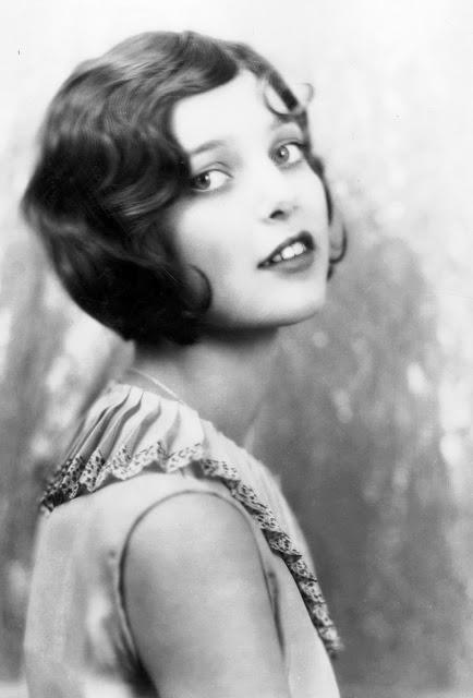 1920's Womens Fashions (3)
