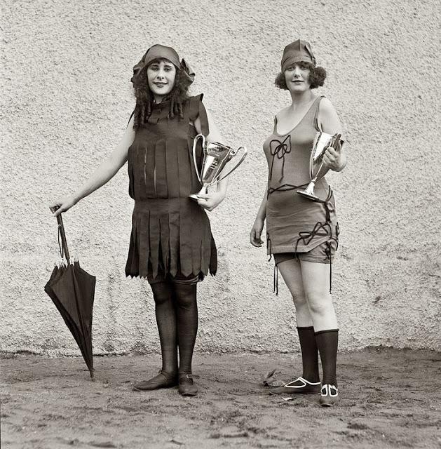 1920's Womens Fashions (30)