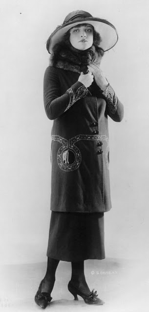 1920's Womens Fashions (31)