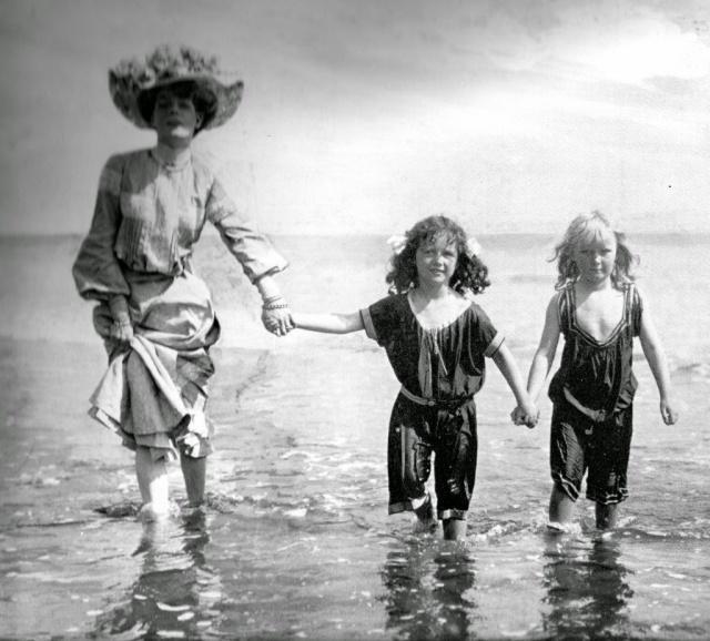 Victorian swimwear (27)