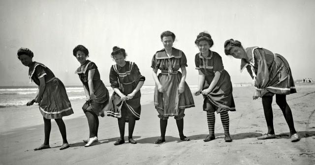 Victorian swimwear (8)
