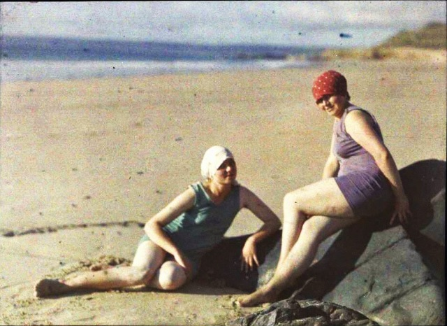 French Women, ca. 1920s (21)