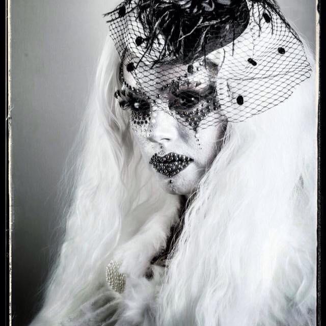 Fashion chaussures une myst rieuse inconnue - Deguisement dame blanche ...